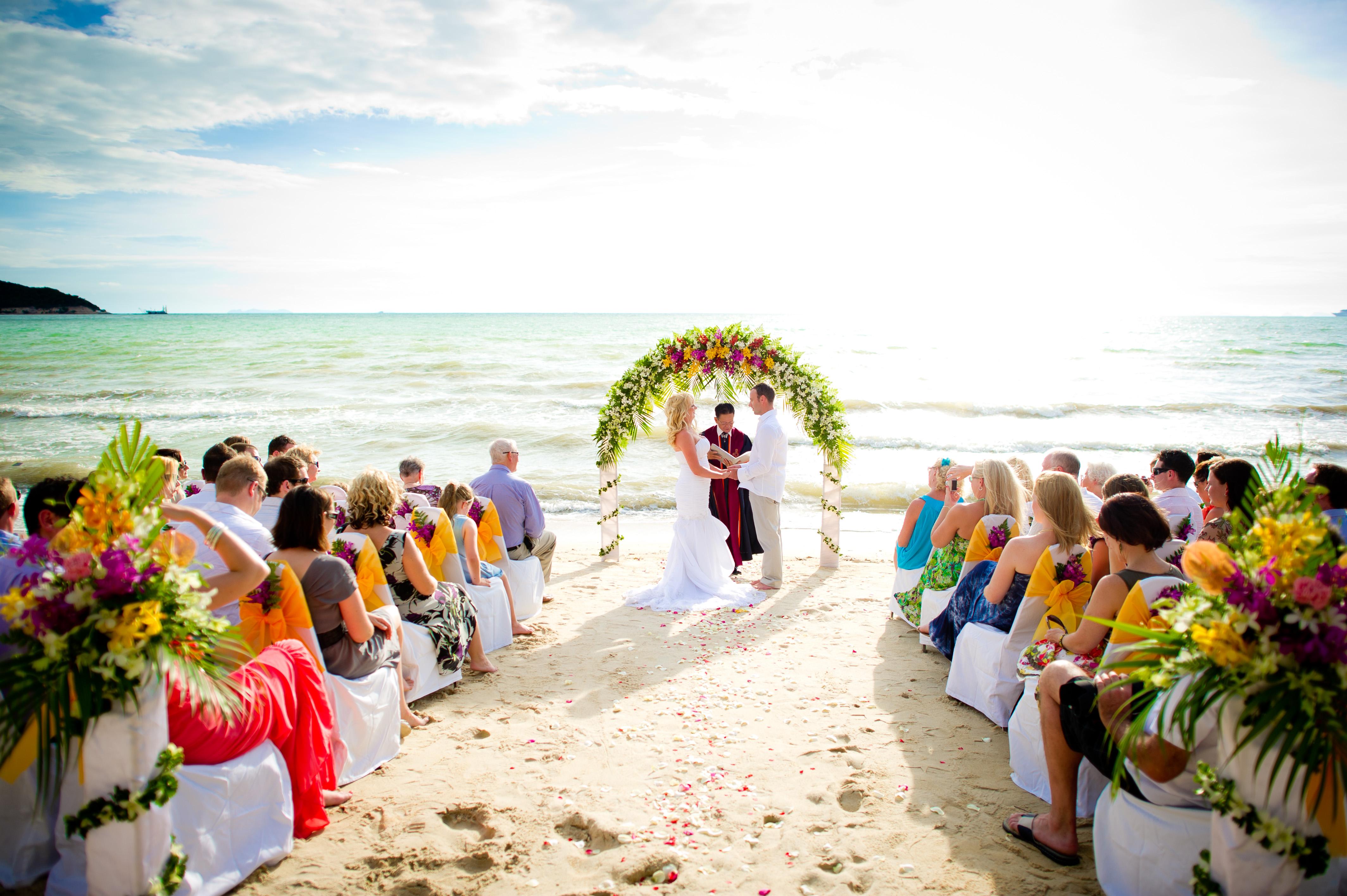 Koh Samui Thailand Wedding Photography: Lipa Lodge Resort Wedding