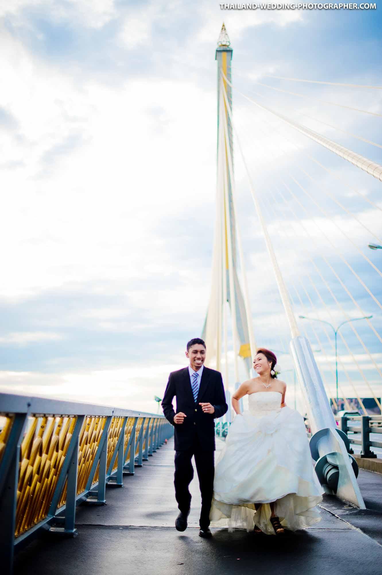 Rama VIII Suspension Bridge Engagement Session